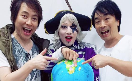 人気声優、置鮎龍太郎さんと関智一さんを招いての対談コーナーも!